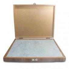 Almofada em madeira - 24x19cm